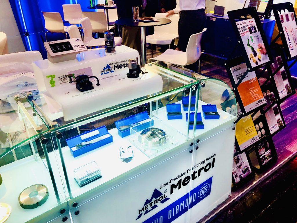 EMOで設置されたメトロール製品の展示ブース